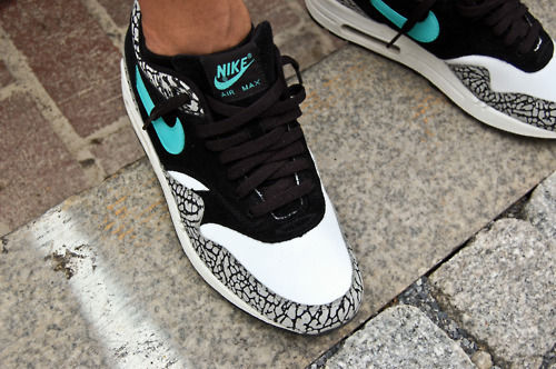 chaussures nike air max swag