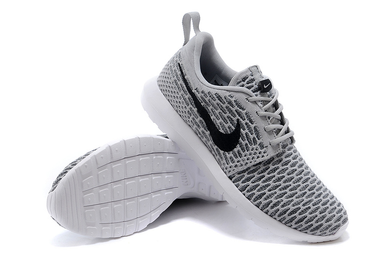 nike roshe run blanc et noir basket nike solde basket running nike. Black Bedroom Furniture Sets. Home Design Ideas